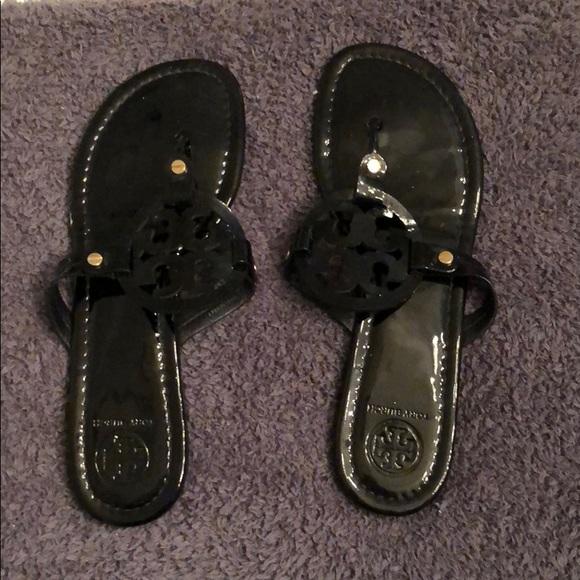 8680b51917745 Tory Burch- Black Patent Leather Miller Sandal. M 5b2cf6b7035cf16e5e76a7f6
